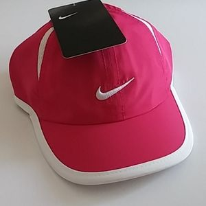 NIKE DRI FIT BABY GIRL FEATHERLIGHT CAP/HAT NWT